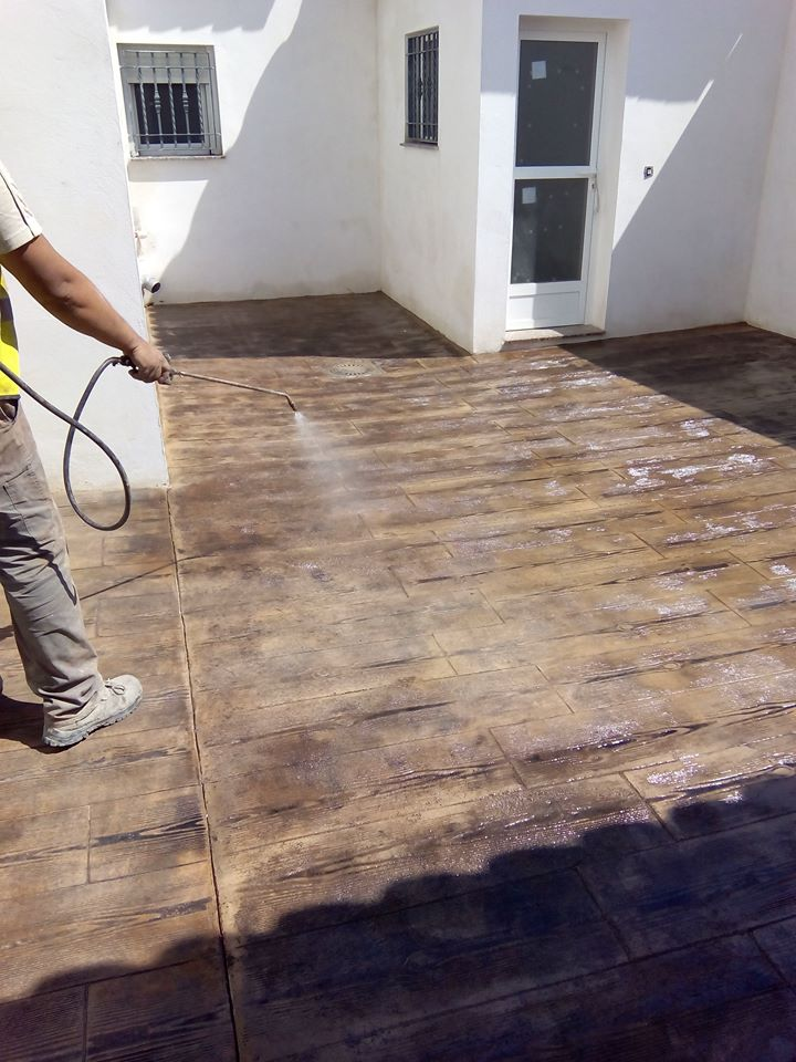 Hormig n impreso efecto madera grupo paimvi - Hormigon impreso madera ...