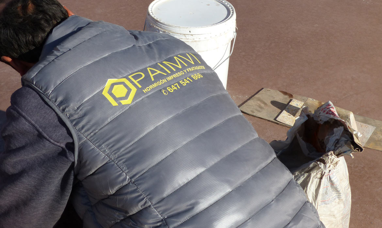 Servicios de calidad para exteriores y jardines como hormigones Impresos y fratasados en alicante Grupo Paimvi