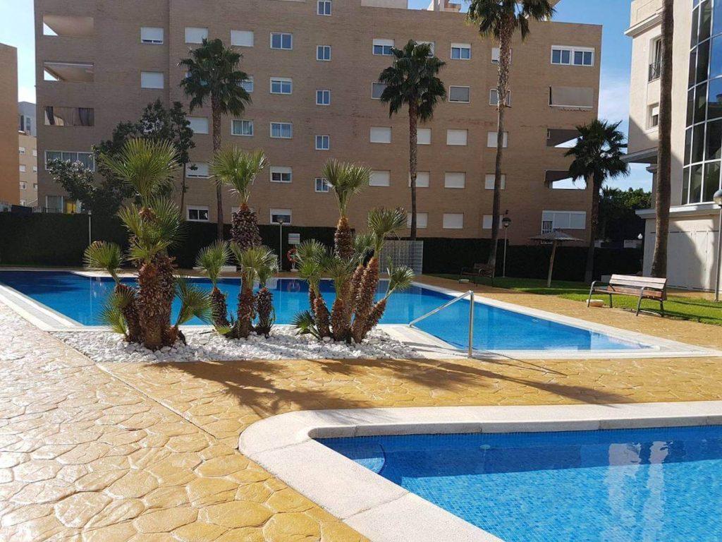 Rehabilitación de pavimento de piscinas en San Juan Alicante Grupo Paimvi